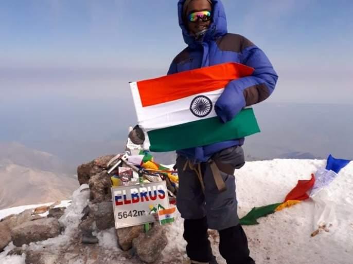 Akot's disable youth treck on Mount Elbrus in Russia | अकोटच्या दिव्यांग धीरजने रशियामधील माउंट एलब्रुसवर फडकविला तिरंगा