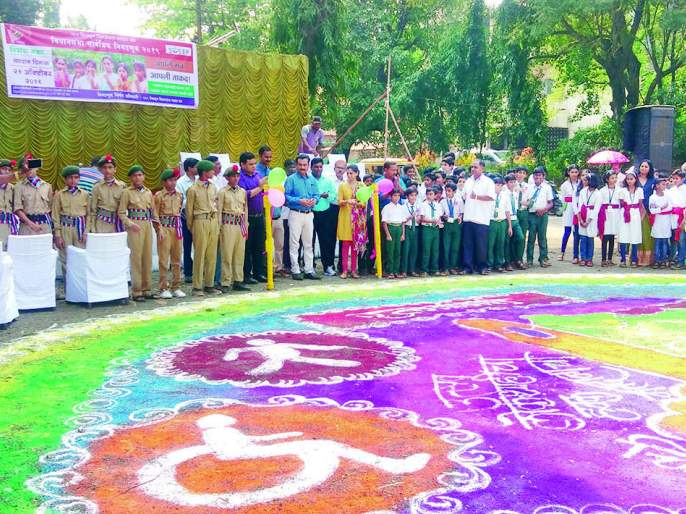 Student message delivered by drama, doll play | Maharashtra Assembly Election 2019 : पथनाट्य, बाहुलीच्या नाट्यातून दिला विद्यार्थ्यांनी संदेश