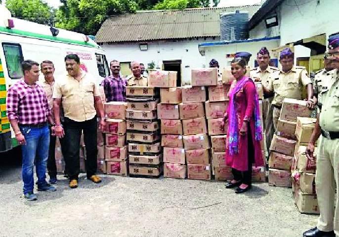 Ammunition seized from 4 ambulances   १०८ रुग्णवाहिकेतून दारुसाठा जप्त