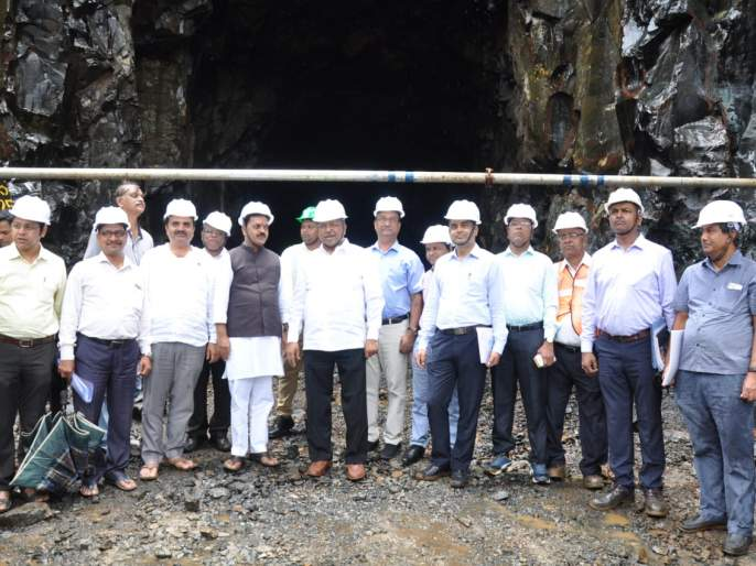 Fourteen highways will be completed next year: Patil | महामार्ग चौपदरीकरण पुढीलवर्षी पूर्ण होणारच : चंद्रकांत पाटील