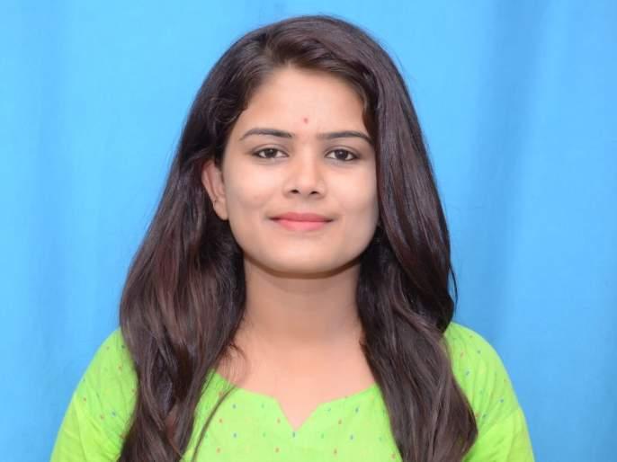 Young woman's suicide by refusing to marry; Events in Solapur | लग्नास नकार दिल्याने तरुणीची आत्महत्या; सोलापुरातील घटना