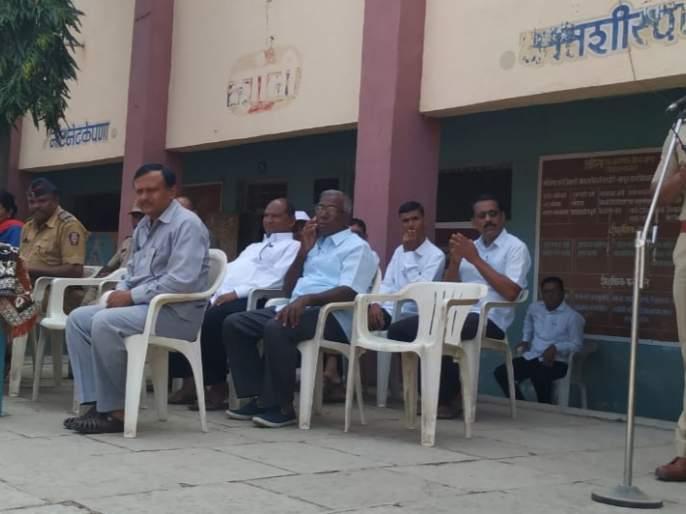 Public awareness in the Janata Vidyalaya regarding child rights, safety | बाल हक्क, सुरक्षितता संदर्भात जनता विद्यालयात जनजागृती