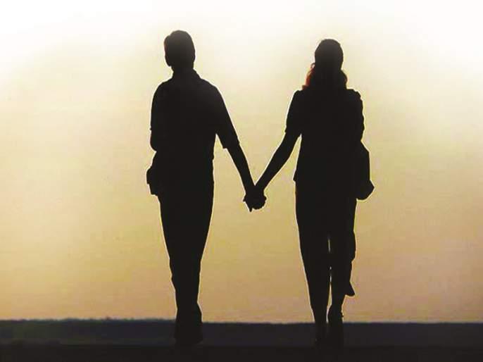A young girl leaves home for her boyfriends day | प्रियकरासाठी दिवसाला एक अल्पवयीन मुलगी सोडते घर