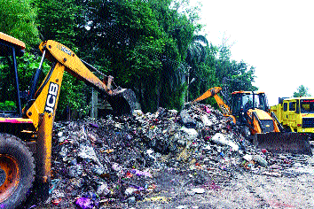 Four thousand tons of garbage picked up in seven days | सात दिवसात उचलला चार हजार टन कचरा