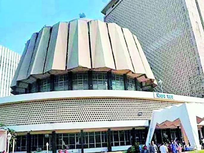 Maharashtra Election 2019 ; Voters to face 'surgical strike'   Maharashtra Election 2019 ; पक्षांकडून मतदारांचे होणार 'सर्जिकल स्ट्राईक'