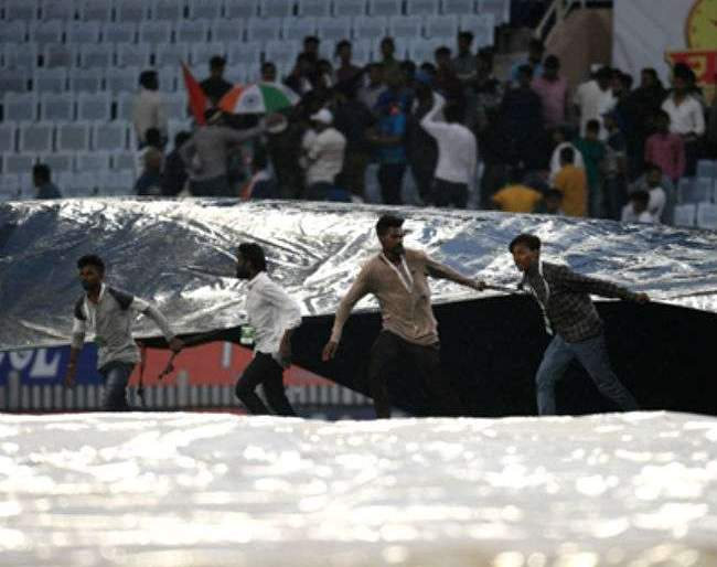 India Vs South Africa, 3rd Test: Rain update on Ranchi third Test match; How many overtime overs will played tomorrow ... | India Vs South Africa, 3rd Test : रांचीतील तिसऱ्या कसोटी सामन्याबाबत पावसाचे अपडेट; उद्या किती षटकांचा सामना होणार...