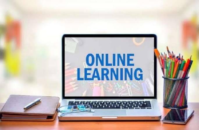 English schools in the state unable to take online classes | राज्यातील इंग्रजी शाळा ऑनलाईन वर्ग घेण्यास असमर्थ, ६० ते ७० टक्के शाळांची आर्थिक परिस्थिती संकटात