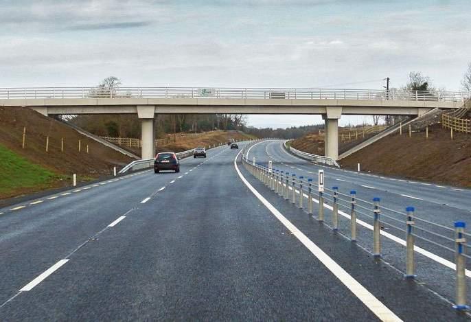Road Engineer's eyes on ten thousand crores roads   दहा हजार कोटींच्या रस्त्यांवर रोड इंजिनिअरची नजर