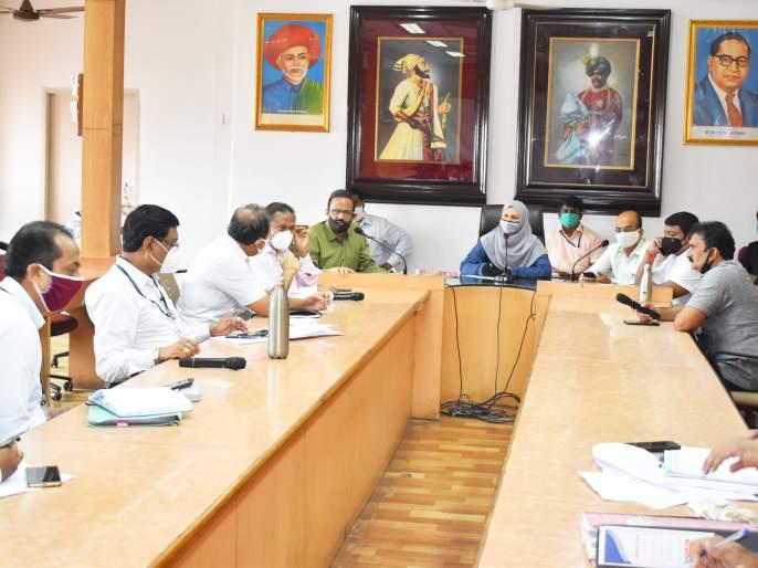 Expulsion of health officials from standing committee meeting   स्थायी समिती सभेतून आरोग्य अधिकाऱ्यांची हकालपट्टी