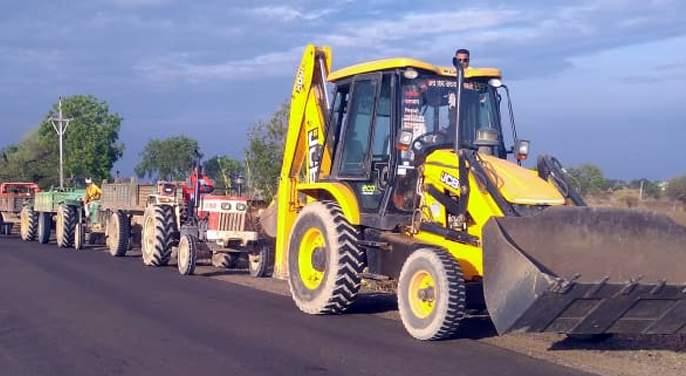 13 tractors, 2 actions on JCB | १३ ट्रॅक्टर, २ जेसीबीवर कारवाई