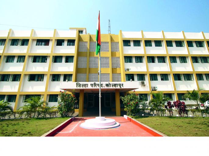 Half the staff of the Zilla Parishad in the election work | जिल्हा परिषदेचे निम्मे कर्मचारी निवडणुकीच्या कामात
