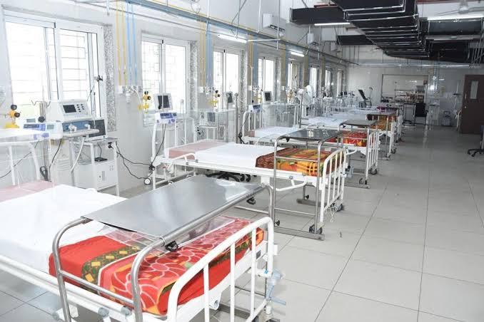 Coronavirus Pune : The beds in the middle will not grow. Decisions due to the role of the doctor's strike | Coronavirus Pune : ससून मधले बेड वाढणार नाहीतच. डॉक्टरांच्या संपाच्या भूमिकेमुळे निर्णय