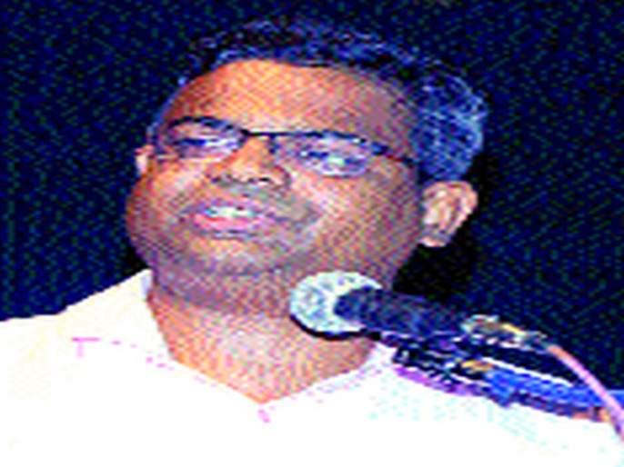 Women need to be 'literate': Ajit Joshi   महिला 'अर्थ साक्षर' होण्याची गरज : अजित जोशी