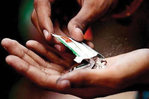 186 crore worth of gutka seized in seven years;   सात वर्षांत १८६ कोटींचा गुटखा जप्त; गुटखा बंदीला मुदतवाढ
