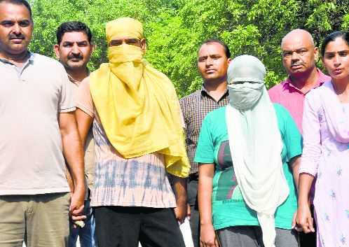 condom's serial number will became biggest proof in delhi's triple murder case | तिहेरी हत्याकांड प्रकरणी कंडोमचा सिरियल नंबर बनणार पुरावा