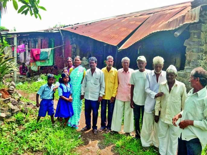 Maharashtra Election 2019 : ban on voting by shetkari mahamandal worker   Maharashtra Election 2019 : शेती महामंडळाचे कामगार टाकणार मतदानावर बहिष्कार