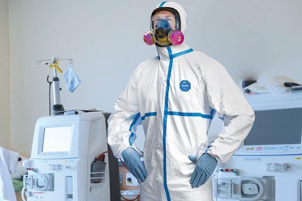Coronavirus: India's arms shortage in the war against Corona; Risk to increase with lack of 'PPE' kit? pnm | Coronavirus: कोरोनाविरुद्धच्या लढाईत भारताकडे शस्त्रांचा तुटवडा; 'पीपीई' किटच्या कमतरतेने वाढणार धोका?