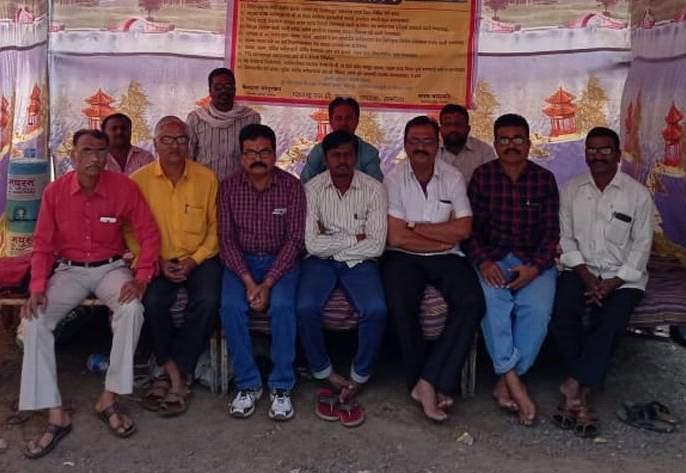 Fasting of ST workers | एसटी कामगारांचे उपोषण