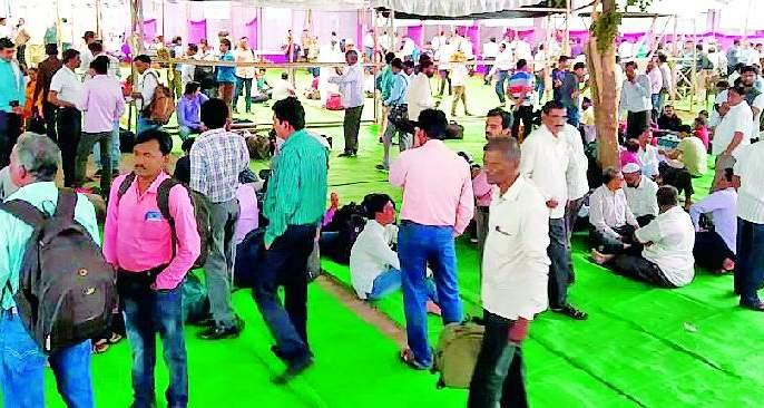 Maharashtra Election 2019 ; 'Polling parties' departed at 3 polling stations in Achalpur | Maharashtra Election 2019 ; अचलपूरमध्ये ३०० मतदान केंद्रांवर 'पोलिंग पार्टीज' रवाना