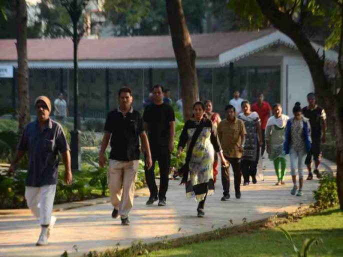 Walk for half an hour in the morning, be stress free all day | पहाटे अर्धा तास चाला, दिवसभर तणावमुक्त रहा