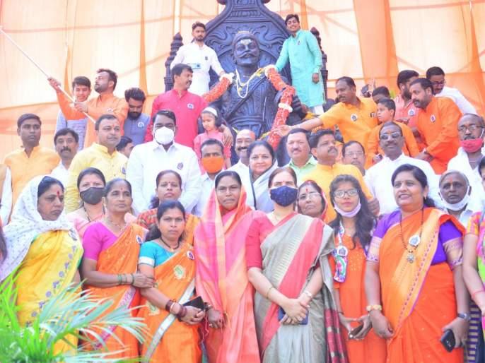 Shiva Jayanti in Pimpalgaon Baswant area | पिंपळगाव बसवंत परिसरात शिवजयंती