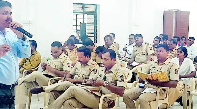 Quota law training for the police personnel | पोलीसदादांना कोटपा कायद्याचे प्रशिक्षण