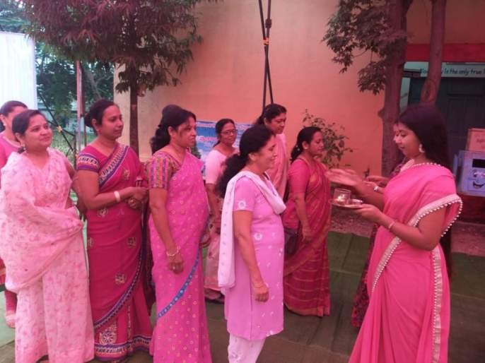 Voters were welcomed in Yavatmal city | Maharashtra Election 2019; यवतमाळ शहरात मतदारांचे करण्यात आले अनोखे स्वागत