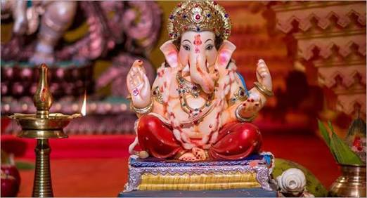 It is wrong to impose restrictions on domestic Ganeshotsav; Full cooperation to the government and administration | घरगुती गणेशोत्सवावर निर्बंध लादणे चुकीचे; सरकार व प्रशासनाला पूर्ण सहकार्य