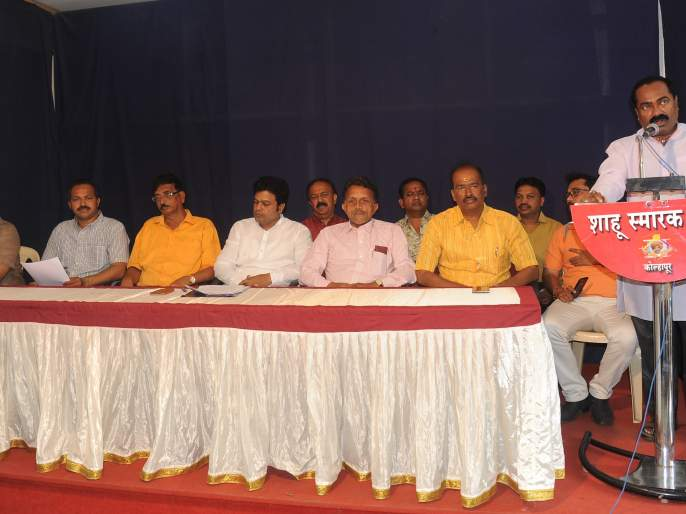 Sanjay Pawar should be expelled from Shiv Sena | शिवसेनेतून संजय पवार यांची हकालपट्टी करावी