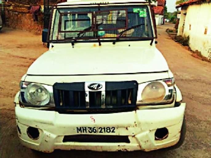 Police vehicle accident ambulance for infant | पोलिसांचे वाहन नवजात बाळासाठी झाले रुग्णवाहिका
