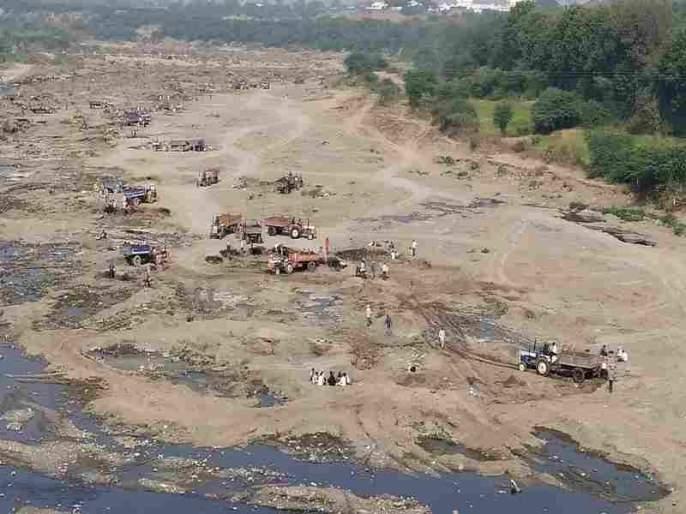 On the DPDC, officials spread the sand mafia on the other   'डिपीडीसी'त अधिकारी फैलावर दुसरीकडे वाळू माफिया गिरणेवर