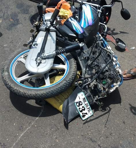 Married couple in a bus-bike accident on the highway | महामार्गावर बस-दुचाकी अपघातात दाम्पत्य ठार