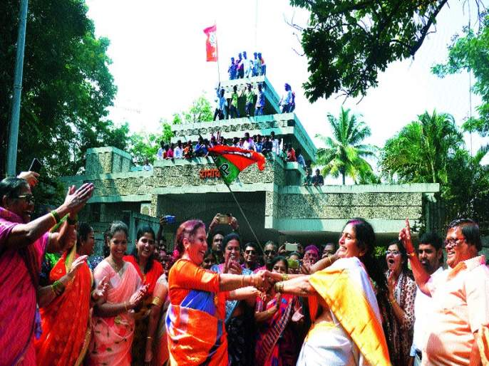 MNS takes revenge of Shiv Sena | मनसेने घेतला शिवसेनेचा बदला