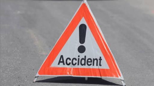 Two died and one injured in unidentified vehicle crash; Incidents in Mulshi taluka   अज्ञात वाहनाच्या धडकेत दोघांचा मृत्यू, एक जखमी; मुळशी तालुक्यातील घटना