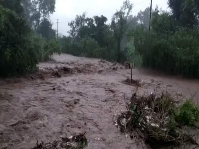 The heavy rains In the pune district | पुणे जिल्ह्यात पावसाची बॅटिंग सुरूच, ओढे नाले तुडूंब, पिकांना फटका