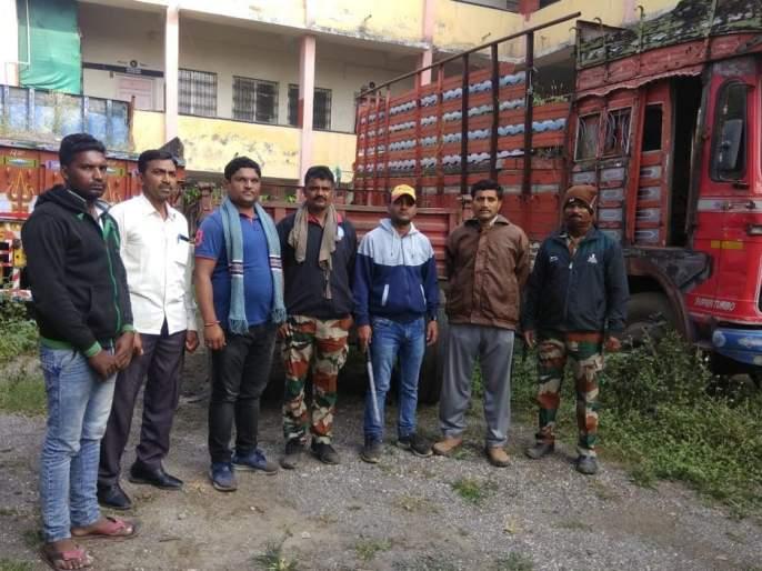 Illegal sand transport; 5 tractors seized with highway | अवैध वाळू वाहतूक; हायवासह २ ट्रॅक्टर जप्त