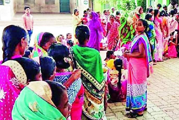 Women lead in Naxalite areas   नक्षलग्रस्त भागातील महिलाच अग्रेसर