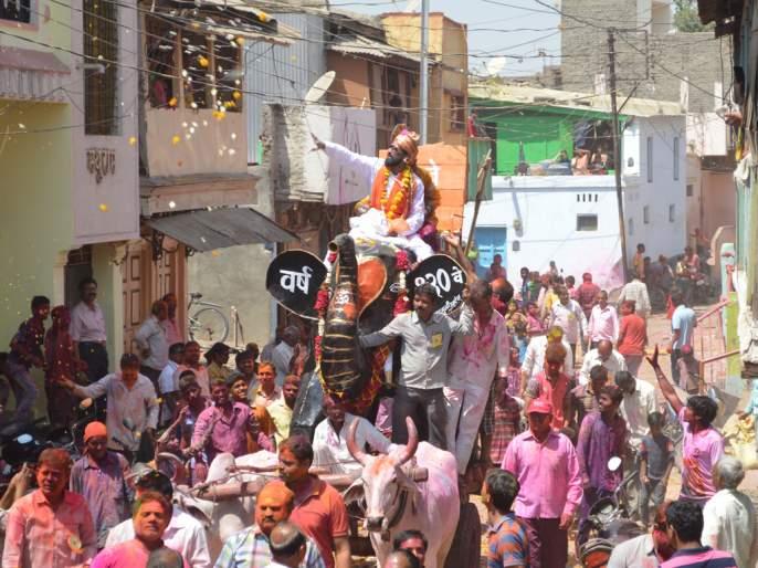 Cases are filed against many on Dholivandan day | धुलीवंदनाच्या दिवशी अनेकांवर गुन्हे दाखल