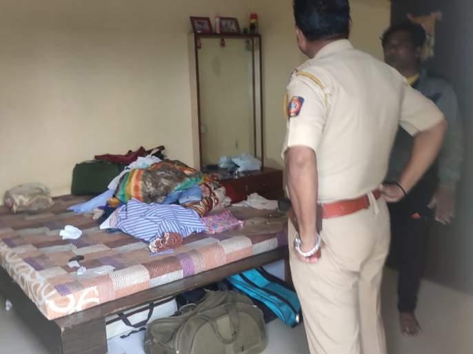 Brave robbery in Maheshnagar   महेशनगरमध्ये धाडसी घरफोडी