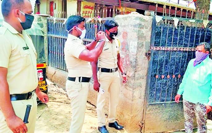 Home quarantine investigation now underway in Solapur Grameen | गुन्ह्याचा शोध घेणाºया पोलिसांकडे आता 'होम क्वारंटाईन'चा तपास !