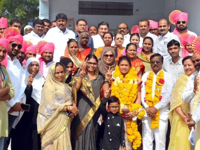 Parbhani: Congress's Anita Sonkamble as mayor | परभणी : महापौरपदी काँग्रेसच्या अनिता सोनकांबळे