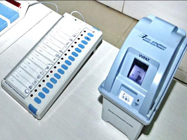 Voters prefer priority to national issues only than locals | स्थानिकपेक्षा राष्टय मुद्द्यांनाच मतदारांनी दिले प्राधान्य