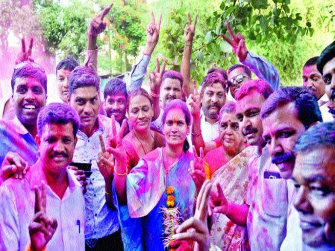 Dindori Dr. Bharti Pawar's victory; BJP's fort for the fourth time | दिंडोरीत डॉ. भारती पवार यांचा विजय ;भाजपने राखला चौथ्यांदा गड