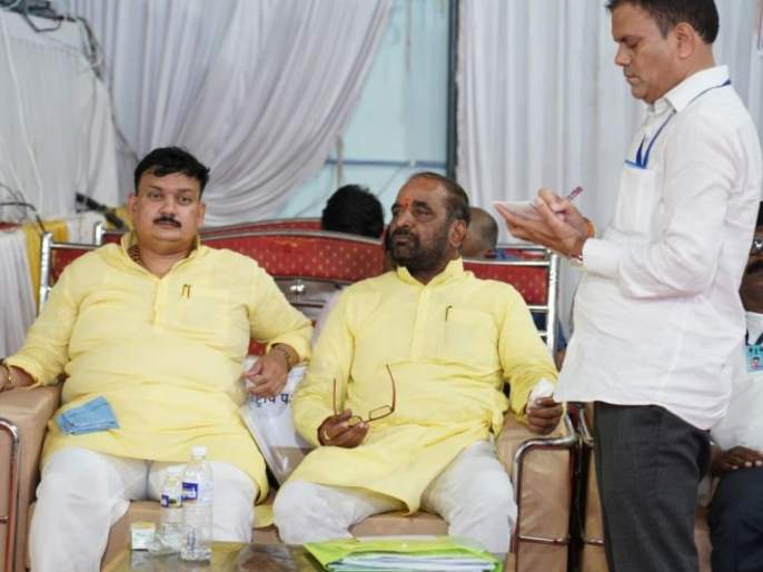 Same pinch of candidates of Chandrapur; What is the secret behind it? | चंद्रपूरच्या आघाडी उमेदवारांचा रंगयोग; काय आहे त्यामागचे रहस्य?