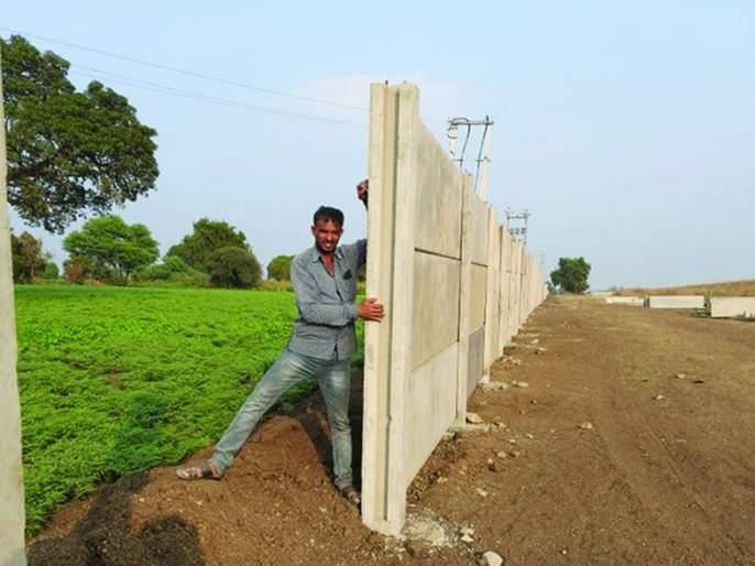 Farmers' roads closed for protective wall of Samruddhi Mahamarg | समृद्धी महामार्गाच्या संरक्षक भिंतीसाठी शेतकऱ्यांचे रस्ते केले बंद