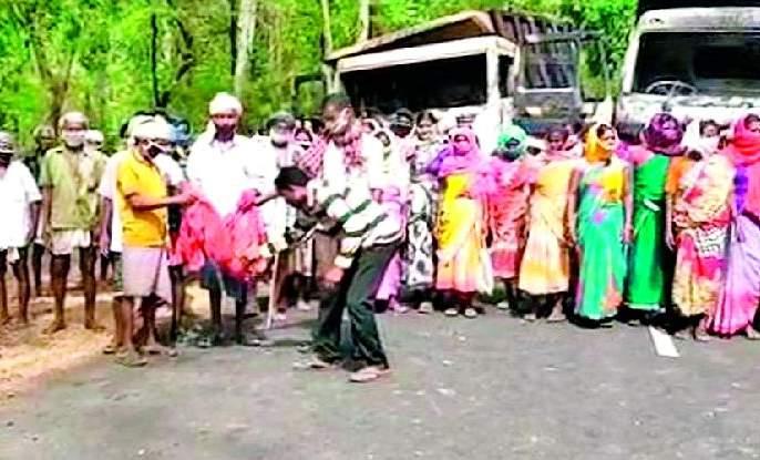 Naxals terrorize villagers | नक्षलवाद्यांनी दहशतीने केला गावकऱ्यांचा वापर
