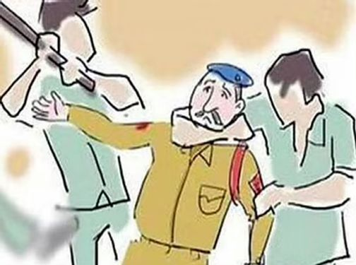 Detention of the person who attacked the police | पोलीसावर हल्ला करणाऱ्याला कोठडी
