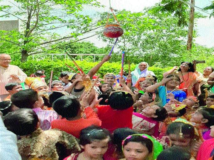Palanquin procession to Sri Krishnanagar | श्रीकृष्णनगरला पालखीची मिरवणूक