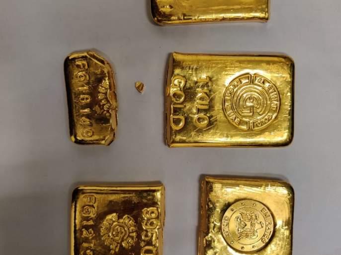 Gold hidden under a chair, a passenger from Delhi was taken into custody | खुर्चीखाली लपवून आणलं सोनं,दिल्लीहून आलेल्या प्रवाशाला घेतले ताब्यात