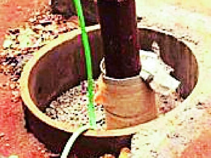 Electricity payment of piping wells over the citizens | विंधन विहिरीचे वीज देयक नागरिकांच्या माथी